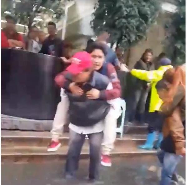 Caída de agua y basura, causas de incidente en Juanacatlán: Metro