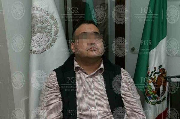 Javier Duarte se reporta en buen estado de salud