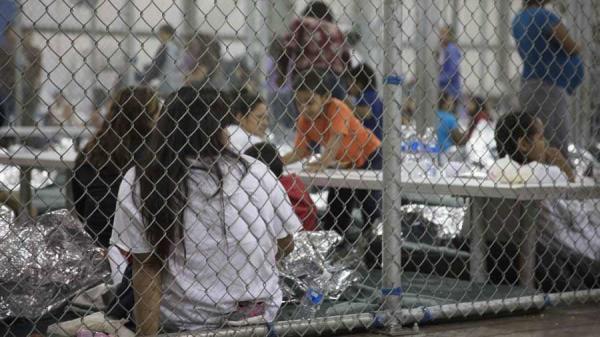 Niña migrante sufre abuso sexual en centro de detención de EU